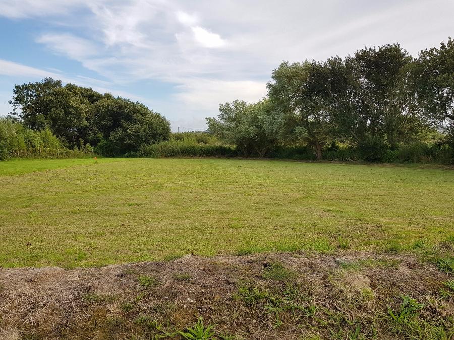 A Ploudalmezeau terrain de 1061 m² - 81 000 €