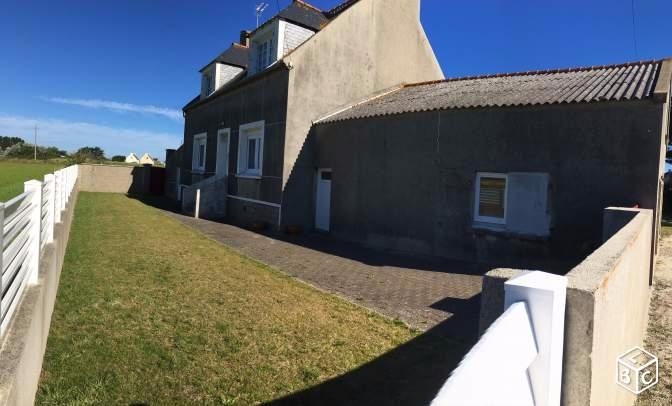 Maison et Hangar sur 4146 m2 de terrain - 133 000€