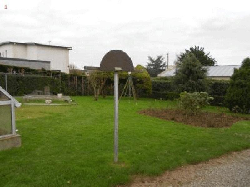 Terrain de 296 m² à Plougoulm - 20 720€
