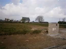 Terrain de 437 m² à Plouvien de 42 490 €